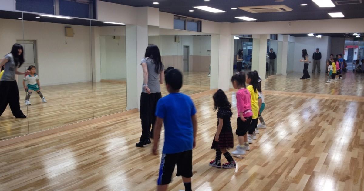 春日部市ピアノビル内ダンススタジオ